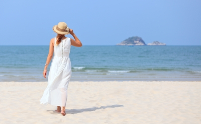 Summer holiday beauty products