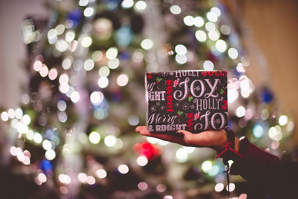 Celebrate Christmas with Elemis
